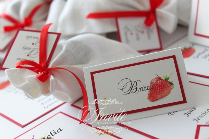 GALDA KARTES strawberry wedding 80x50 red